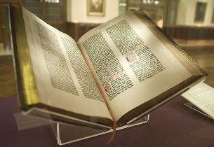 odprta Gutenbergova biblija